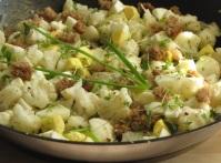 kalafior z jajkiem i zieleniną