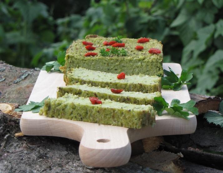 Pasztet z zielonego groszku z dodatkiem ziół
