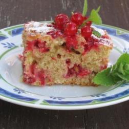 najprostsze ciasto z porzeczkami – smak letnich podwieczorków
