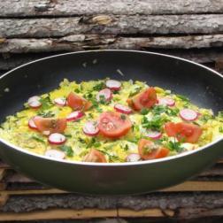 kolorowy placek jajeczno-warzywny