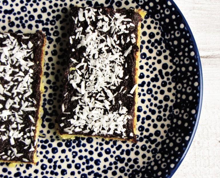 ciastko zmasą czekoladową iwiórkami