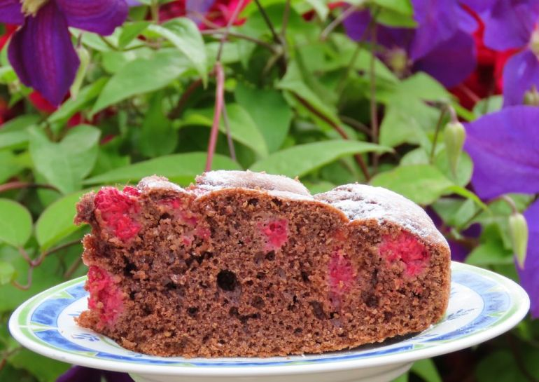 Ciasto czekoladowe z malinami 3